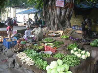 roadside vegetable dealer, Haldwani